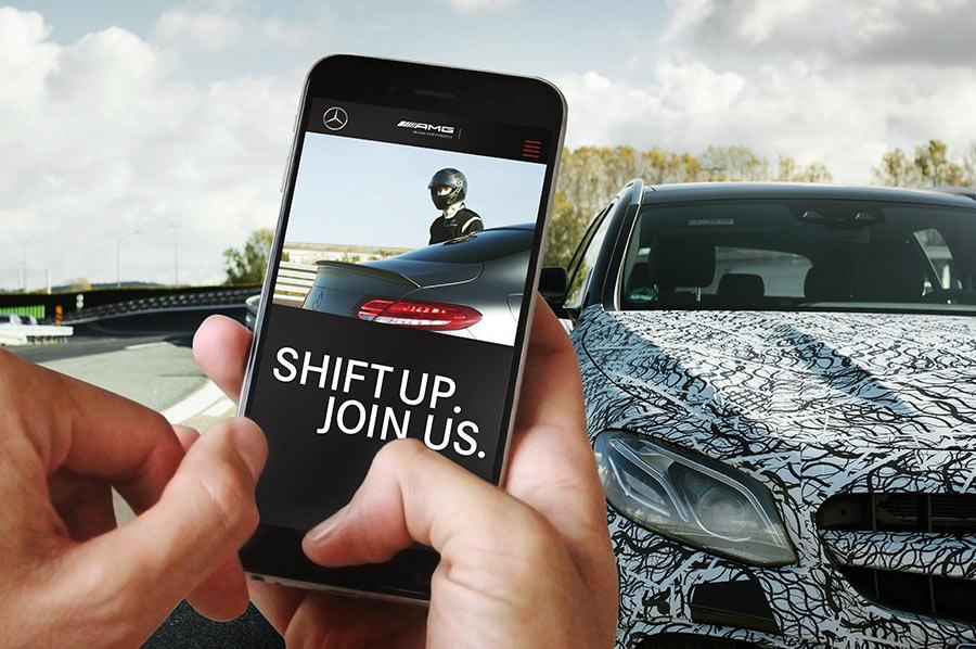 Mercedes-AMG Karriere-Website auf einem Smart-Phone