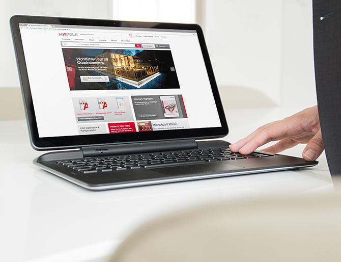 Startseite der Häfele Webseite auf einem Laptop.