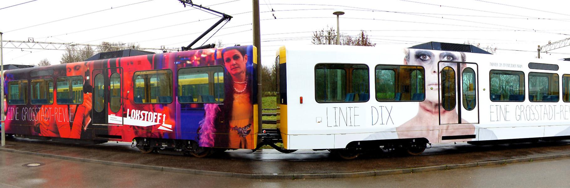Motive zum Theaterstück als S-Bahn-Beklebung.